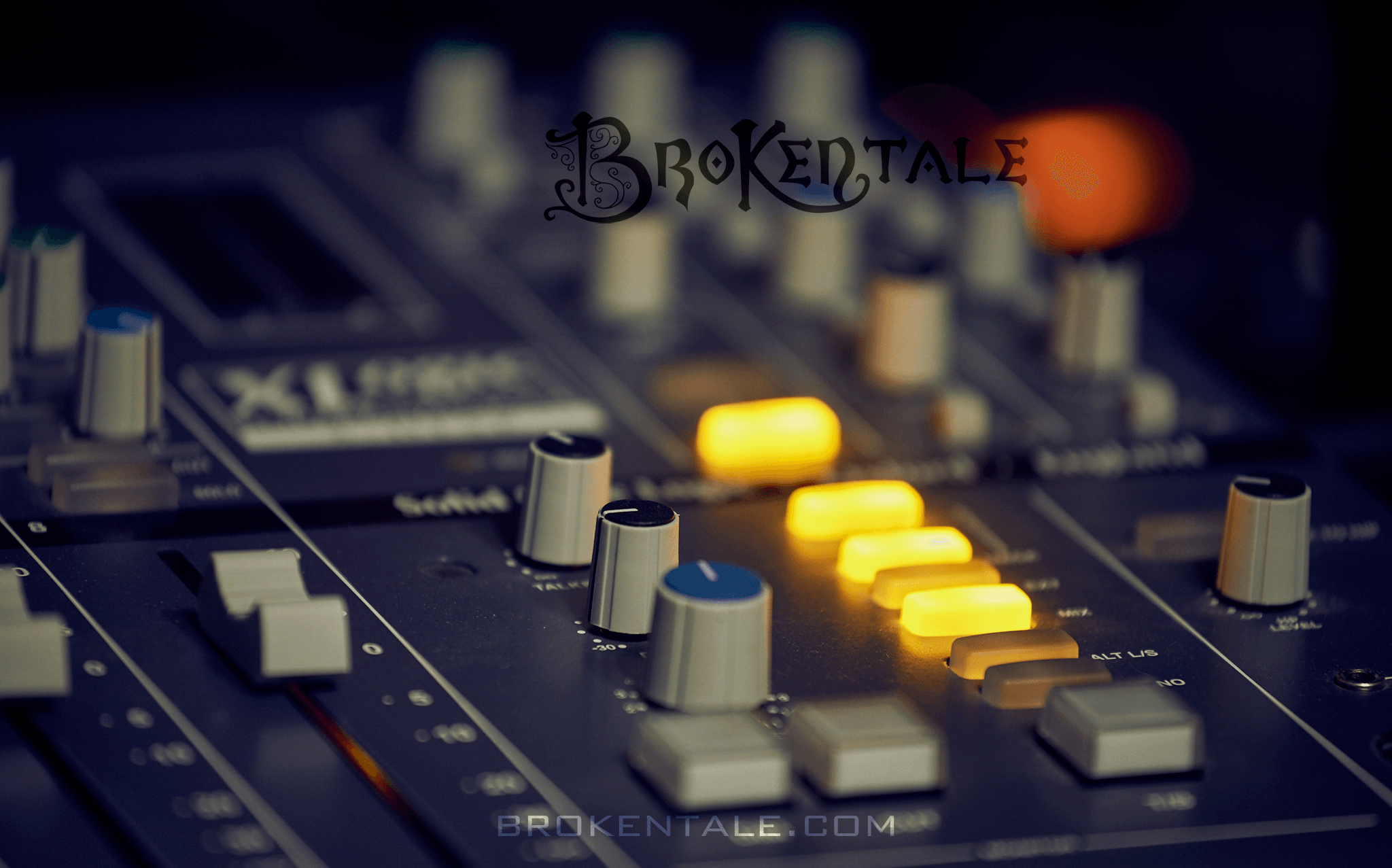 BrokenTale Studio Gear - SSL Xdesk